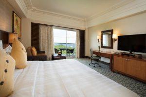 Shangri-La Mactan Resort and Spa Cebu Ocean Club Room