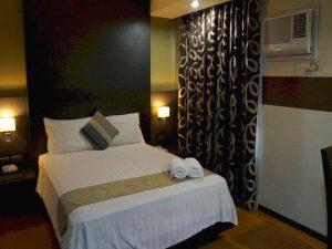 Lorenzzo-Suites-Hotel Deluxe Queen