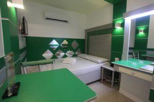 Hotel 99 Monumento Deluxe Room