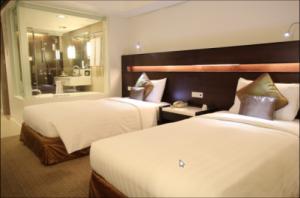 Century Park Hotel Manila Deluxe Twin Room