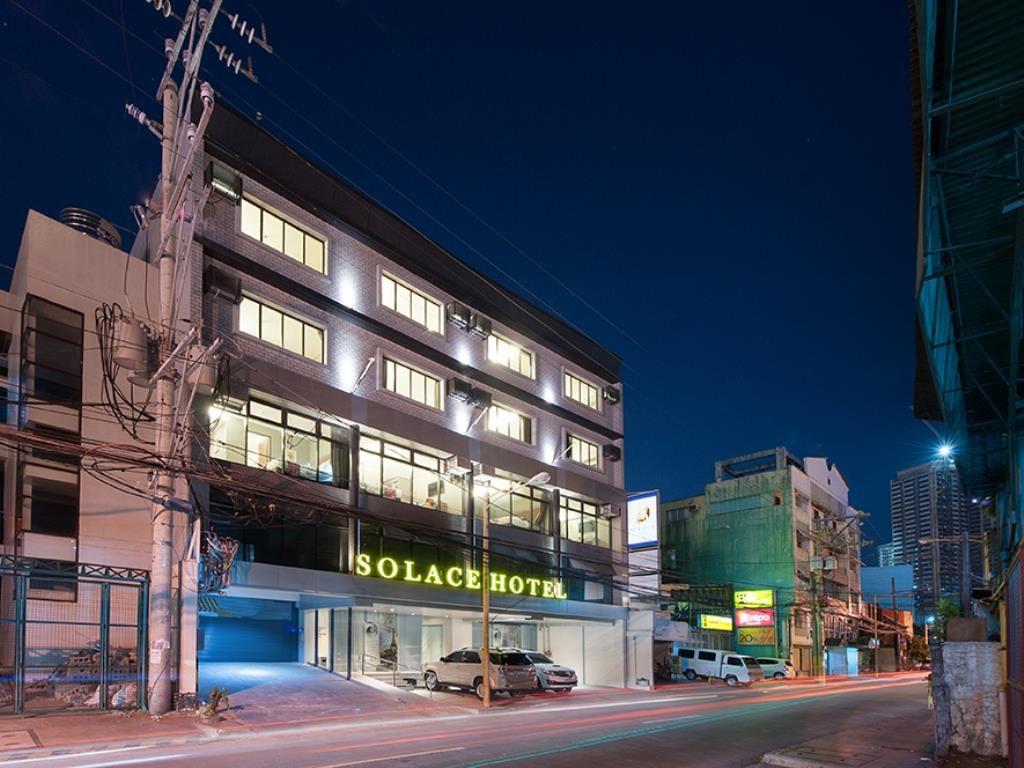 hotel and metro manila