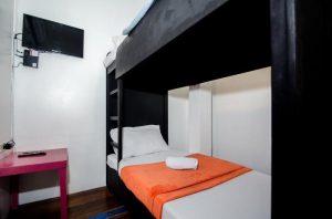 Lakbayan Hotel Makati Standard Quadruple Room