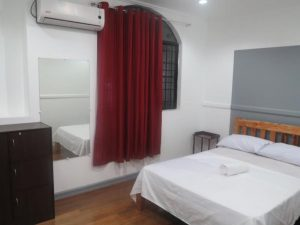 Chill Out Guesthouse Manila Superior Room