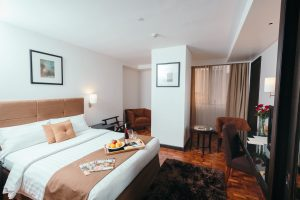 City Garden Hotel Makati The Deluxe Room