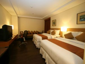Crown Regency Hotel Makati Corner Suite Room
