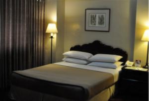 The Copa Businessman Hotel SUITE
