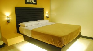 Davao Hotel - Royale House Travel Inn and Suites